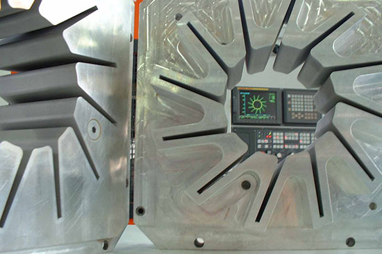 Particolare elettroerosione a filo